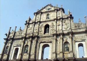 マカオの観光スポット「聖ポール天主堂跡」
